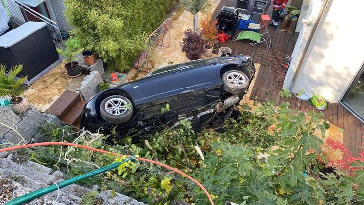 Der parkierte Wagen hatte sich selbständig gemacht und rollte davon.