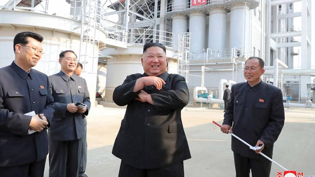 Kim Jong Un nach wochenlanger Abwesenheit aufgetaucht
