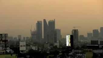 Immer wieder hüllt giftiger Smog Mexiko-Stadt ein. (Archivbild)