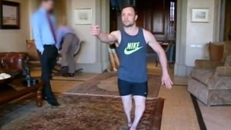Oscar Pistorius bei einer Nachstellung der Tatnacht.