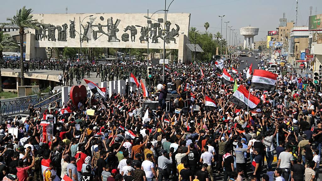 Toter Aktivist im Irak: Tausende Demonstranten fordern Aufklärung