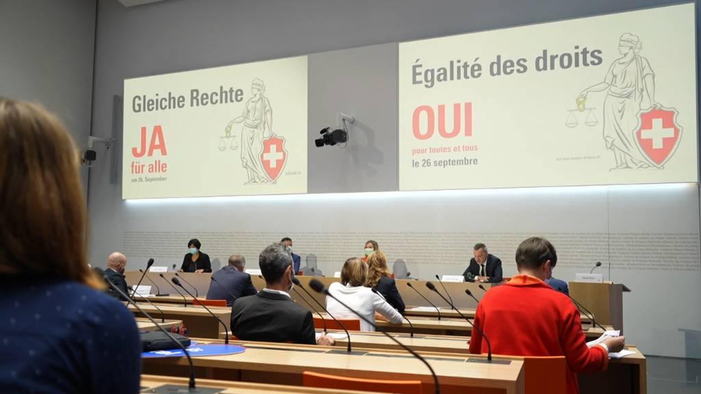 «Ehe für alle»: Ja-Komitee argumentiert mit Chancengleichheit