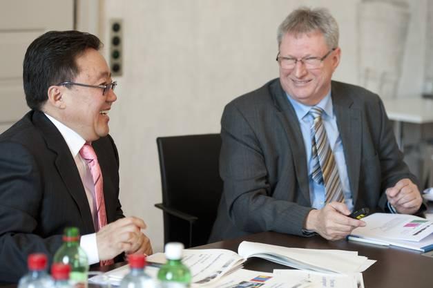 Tsakhia Elbegdorj mit Walter Mischler, Leiter der Gemeindeabteilung des Kantons Aargau.