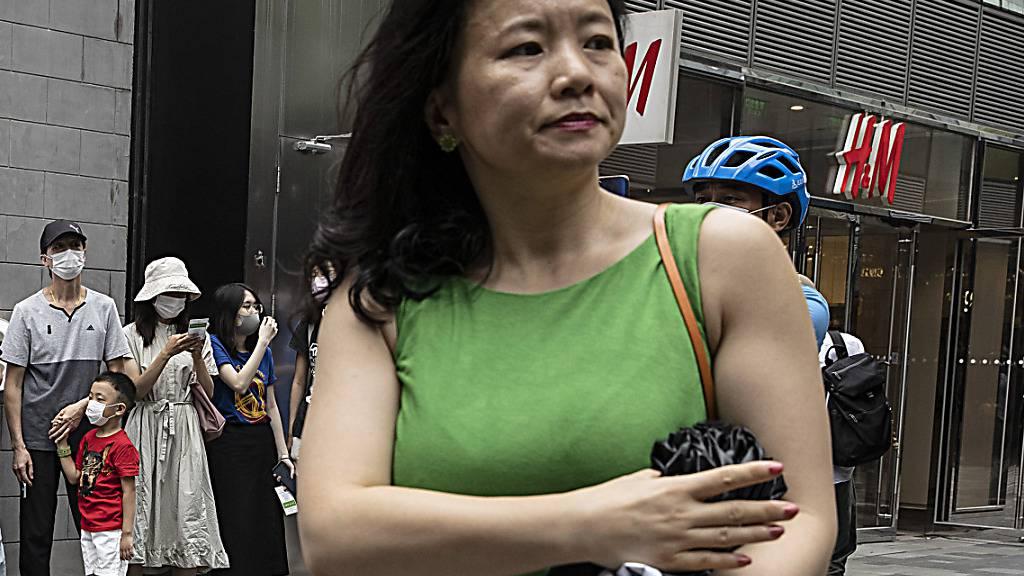 ARCHIV - Cheng Lei, eine in China geborene australische Journalistin, nimmt an einer öffentlichen Veranstaltung teil. Foto: Ng Han Guan/AP/dpa