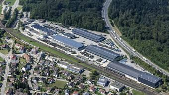 Das Armeelogistikcenter (zwischen A1 und Bahngleisen) ist für 85 Millionen Franken modernisiert worden. Noch leidet das angrenzende Quartier unter Lichtverschmutzung.