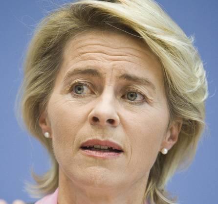 Erste Verteidigungsministerin : Ursula von der Leyen (CDU).