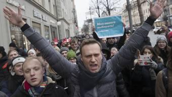 Im Januar 2018 protestierte Kreml-Kritiker Alexej Nawalny noch selbst gegen die russische Regierung. Nun sitzt der Oppositionsführer in Haft.