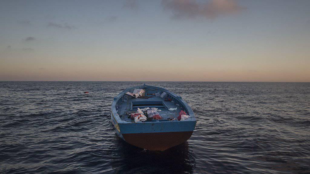 Zurück bleiben die Boote: Innerhalb von nur einem Tag sind 3400 Flüchtlinge in Seenot im Mittelmeer geborgen worden. (Archiv)