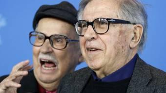 Die Regie-Brüder Vittorio (l) und Paolo Taviani halten seit Jahrzehnten zusammen wie Pech und Schwefel. Wegen eines Unfalls von Vittorio hat nun sein Bruder erstmals einen Film fast alleine gemacht. (Archivbild)