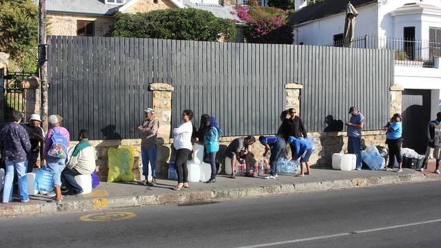 So erleben Schweizer in Kapstadt die Wassernot