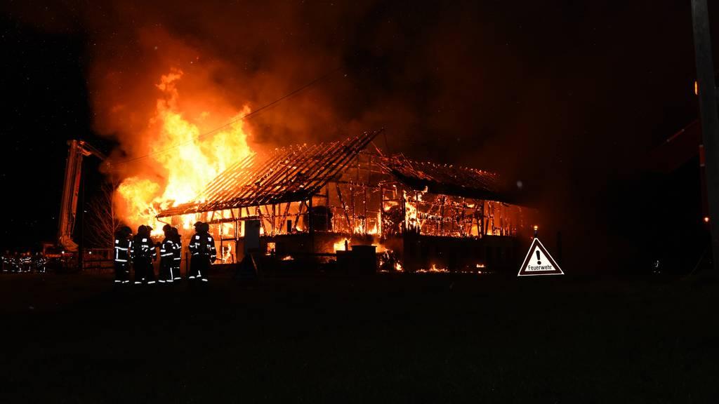 Mels SG: Zwei Häuser und ein Stall werden ein Raub der Flammen