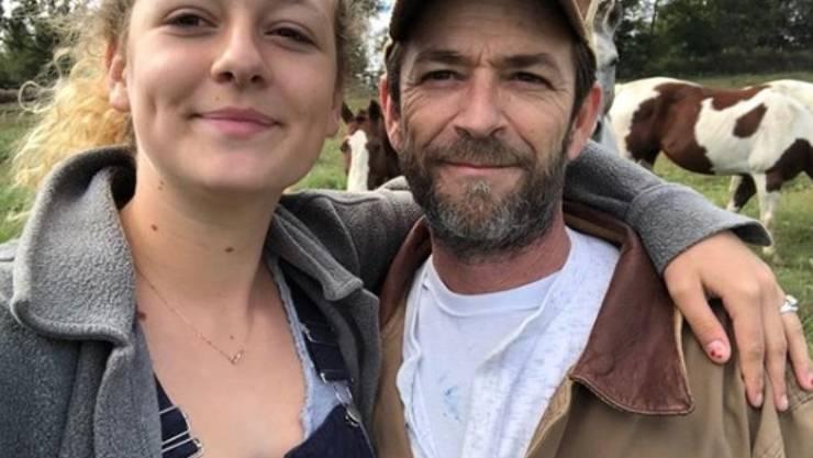 Sie standen sich nah: Sophie Perry (links) trauert um ihren verstorbenen Vater, den US-Schauspieler Luke Perry. (Archivbild)