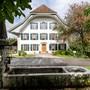 Das Pfarrhaus gehört zu einem Ensemble und in ein geschütztes Ortsbild.