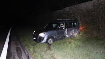 Frontalkollision zwischen zwei Autos bei Aesch – eine Person verletzt