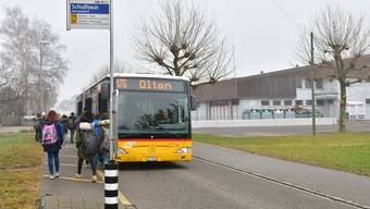 Geht es nach den Neuendörferinnen und Neuendörfern, so soll das Postauto den Chäsiweg nicht mehr befahren.
