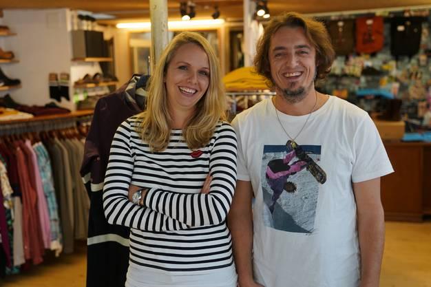 Auch beim ersten 100% nachhaltigen Trendstore der Schweiz hat Jenni vorbeigeschaut. Sie wurde von Raffael David, dem Gründer, persönlich empfangen.