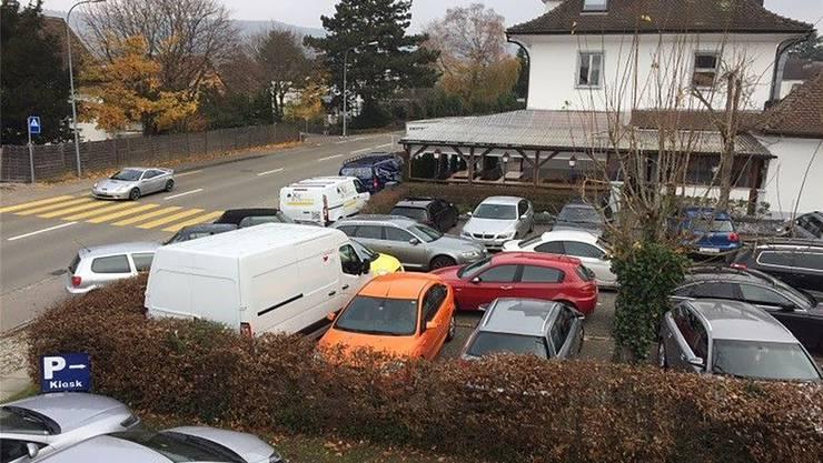 46 Autos dürften vor dem Islamzentrum höchstens parkieren, so der Gemeinderat. ZVG