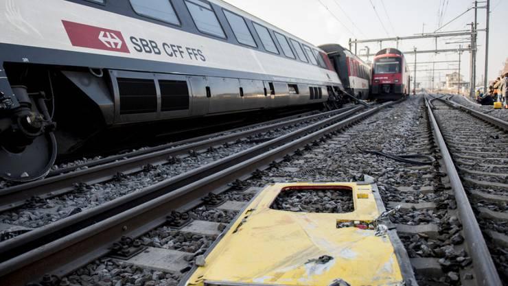 Die Zahl der Unfälle im Bereich des öffentlichen Verkehrs war 2016 rückläufig. Vor allem die Bahn verzeichnete gegenüber früher wenig Unfälle. (Archivbild)