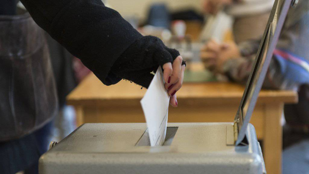 Die Stimmbürgerinnen und Stimmbürger in den Kantonen Aargau und Zürich wählen am Sonntag die letzten beiden Ständeräte für die kommende Legislatur. (Symbolbild)