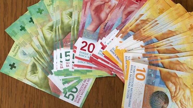 Wer sein Geld einem Vermögensverwalter anvertraut, muss unter Umständen tief in die Tasche greifen. (Archivbild)