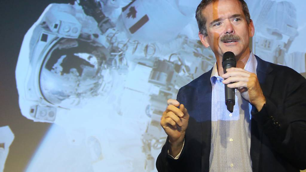 Kanadischer Ex-Astronaut Hadfield veröffentlicht Weltall-Thriller