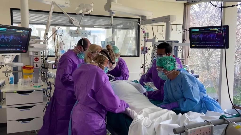 Spitalbetten: St.Galler Spitäler stossen an ihre Grenzen