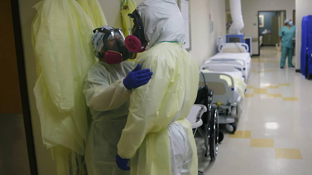 Forscher: Mehr als fünf Millionen Corona-Infektionen in den USA