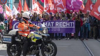 Aktivisten rufen zu 1.Mai-Demo auf – ist sie illegal?
