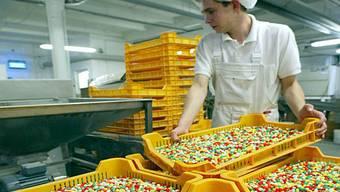 Produktion von farbigen Bonbons