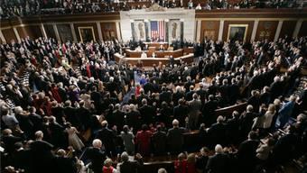 Die Mitglieder des US-Kongresses bei der Vereidigung: Der Politikerberuf lohnt sich in den USA.