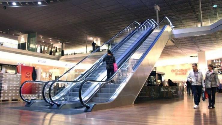 Die neuen Rolltreppen führen von der Tivoli-Mall zur Etage Tivoli First.