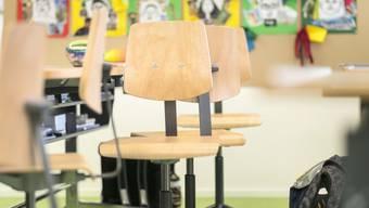 Schweizer Schulen haben Bedarf nach Heilpädagoginnen und Heilpädagogen. Doch viele Pädagogische Hochschulen müssen jedes Jahr Anwärter für den Studiengang wegen Platzmangel abweisen.
