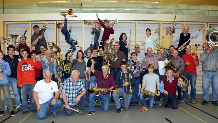 Haben offensichtlich Freude am Musikmachen – die Harmonie Turgi Gebenstorf und Mitglieder des Jugendspiels Allegro Region Baden.