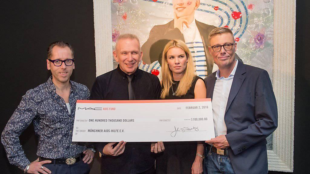 """Jean Paul Gaultier: Kondom ist """"das schönste Outfit"""""""
