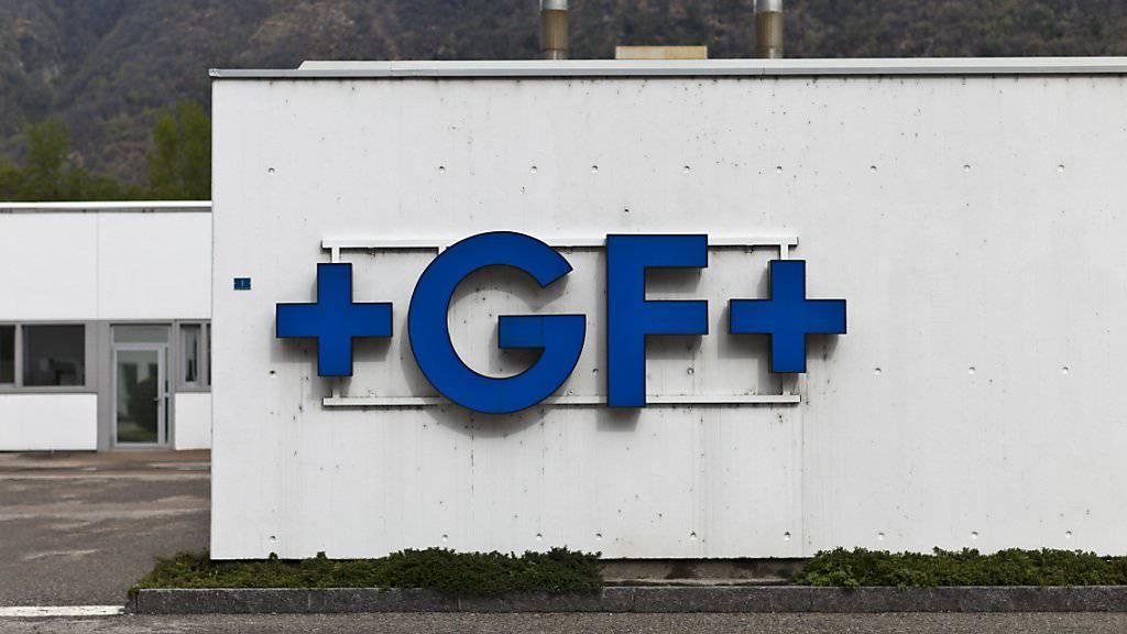 Das Logo von Georg Fischer prangt bald auch an einer neuen Fabrik in Biel. (Archiv)