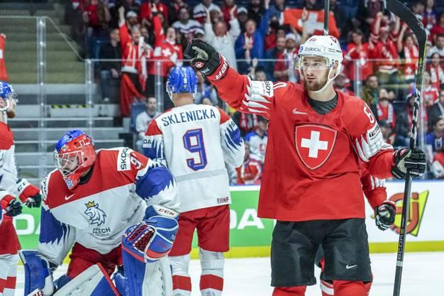 Im letzten Drittel drehen die Schweizer auf und kommen nach dem 2:4-Rückstand zurück.
