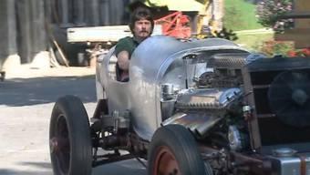 Der Aargauer Garagist Louis Frey bastelt mit einem Flugzeugmotor einen Rennwagen.