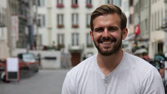 HSC-Neuzuzug Sergio Muggli in der Aarauer Altstadt.