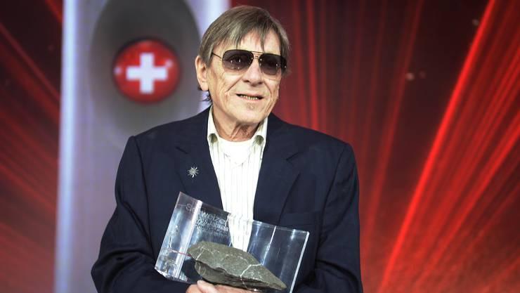 """Polo Hofer erhielt 2016 die Auszeichnung """"Schweizer des Jahres"""" im Zürcher Hallenstadion."""
