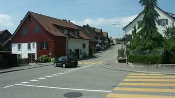 Anwohner wollen Verkehrsberuhigungen auf der Dorfstrasse
