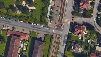 Der 18-Jährige überquerte diesen Bahnübergang. Dabei bemerkte er das herannahende Tram nicht.