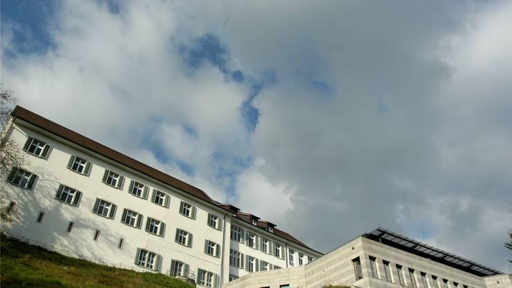 Bei der Finanzierung der restlichen Bauschuld geht das Asana-Spital Leuggern eigene Wege.