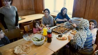Zu Besuch bei den Flüchtlingen im Kurhaus Balmberg