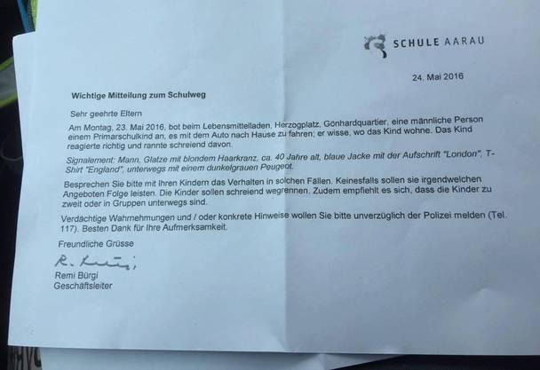 In diesem Brief warnt die Schule Aarau Eltern vor einem Unbekannten.