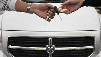 Schweizer kaufen wieder mehr Autos (Symbolbild)