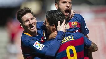 Alles klar für Barça: Luis Suarez lässt sich feiern
