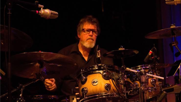 Pat Mastelotto schwingt bei O.R.K und KoMaRa die Drumsticks. BSC