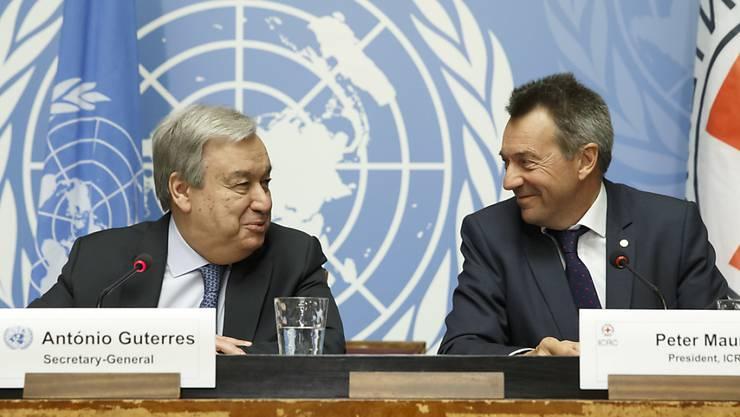 """Uno-Generalsekretär Antonio Guterres und IKRK-Präsident Peter Maurer verlangen ein Ende von Luftangriffen auf Städte. Angriffe auf Zivilisten seien durch das humanitäre Völkerrecht """"strengstens untersagt"""". (Archivbild)"""