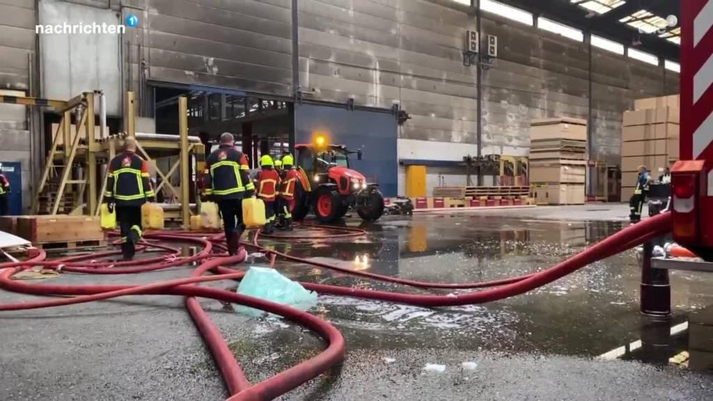 Brand in der Swiss Krono Menznau forderte die Feuerwehr