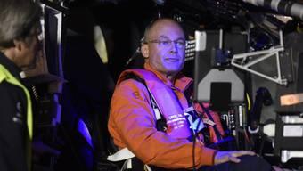 """Konzentriert vor dem Flug - zufrieden nach der Landung: """"Solar Impuls 2""""-Pilot Bertrand Piccard hat in Lehigh Valley aufgesetzt. (Archivbild)"""